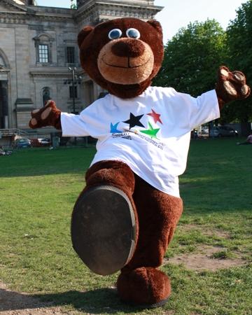 Berliner Bär mit JtfO-Shirt